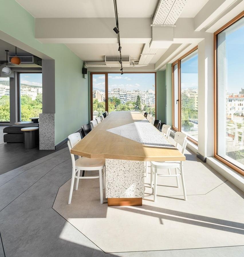 """Ζeus is Loose: Ένα μοντέρνο hostel με την πιο όμορφη θέα στην """"καρδιά"""" της Θεσσαλονίκης, φωτογραφία-5"""