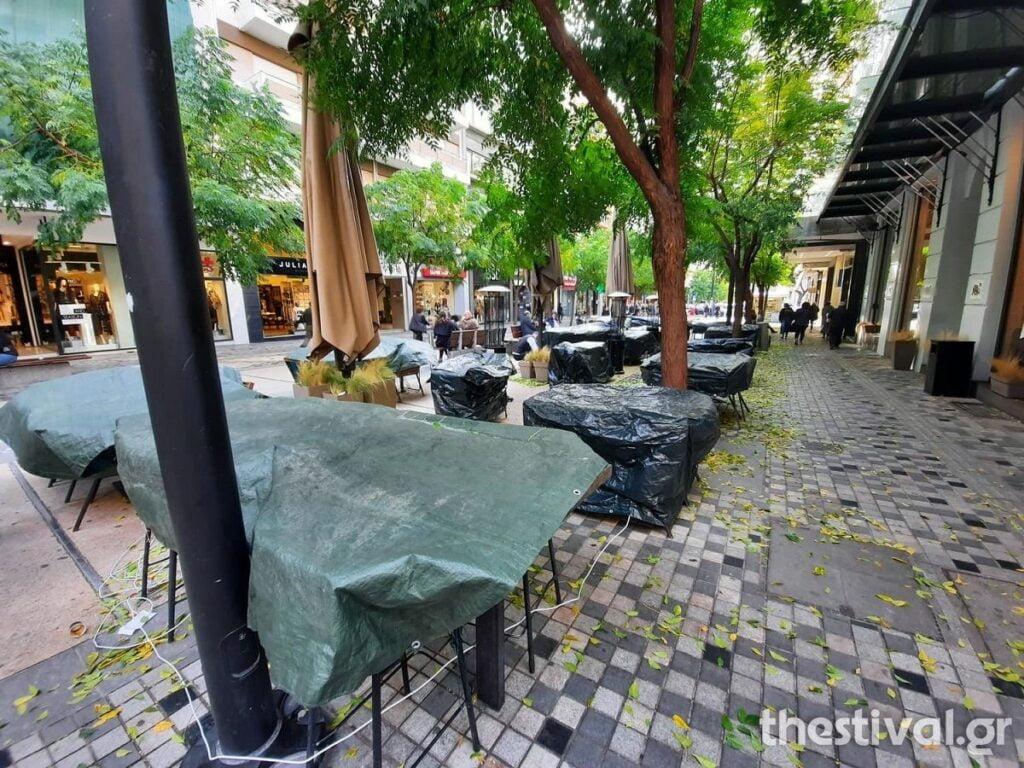 Θεσσαλονίκη: Άδειες οι πιάτσες του καφέ μετά το μίνι lockdown – Σε κανονικά επίπεδα η κίνηση σε δρόμους, καταστήματα, φωτογραφία-4