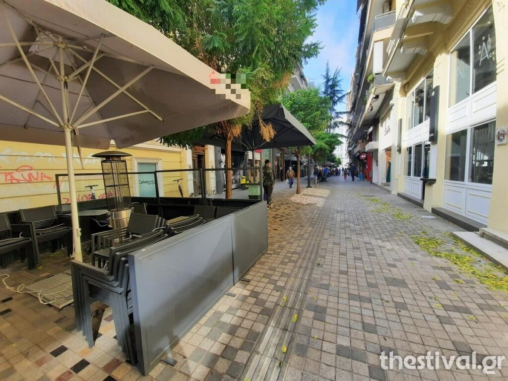 Θεσσαλονίκη: Άδειες οι πιάτσες του καφέ μετά το μίνι lockdown – Σε κανονικά επίπεδα η κίνηση σε δρόμους, καταστήματα, φωτογραφία-3