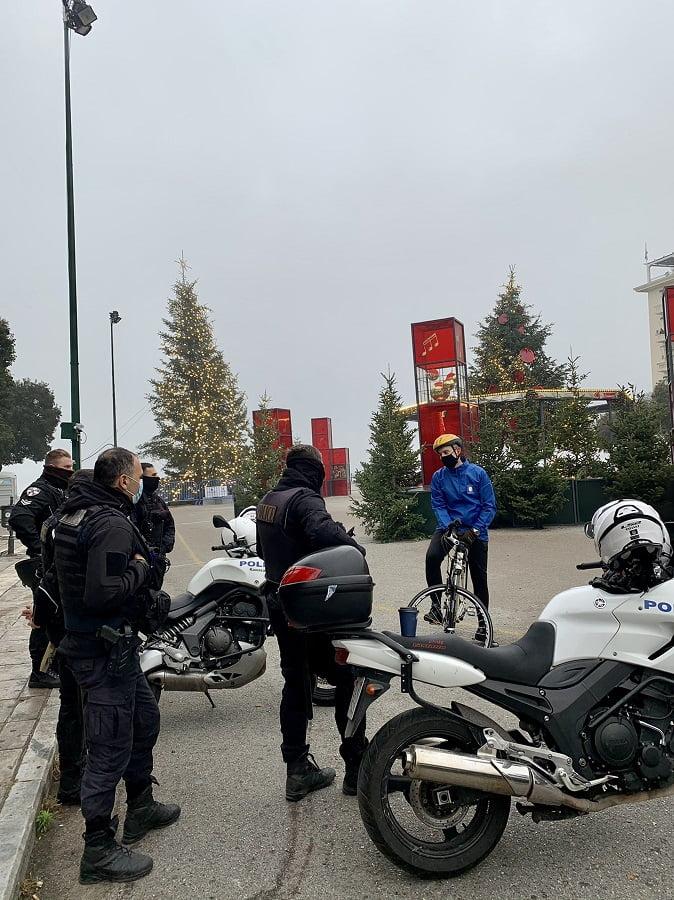 Ποδηλατάδα Ζέρβα στο κέντρο της Θεσσαλονίκης: Το ζήτημα είναι να εμβολιαστούμε όλοι, φωτογραφία-2