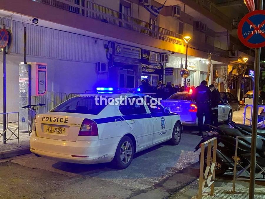 Θεσσαλονίκη: Επίθεση με βόμβες μολότοφ στο Α.Τ. Αμπελοκήπων , φωτογραφία-3