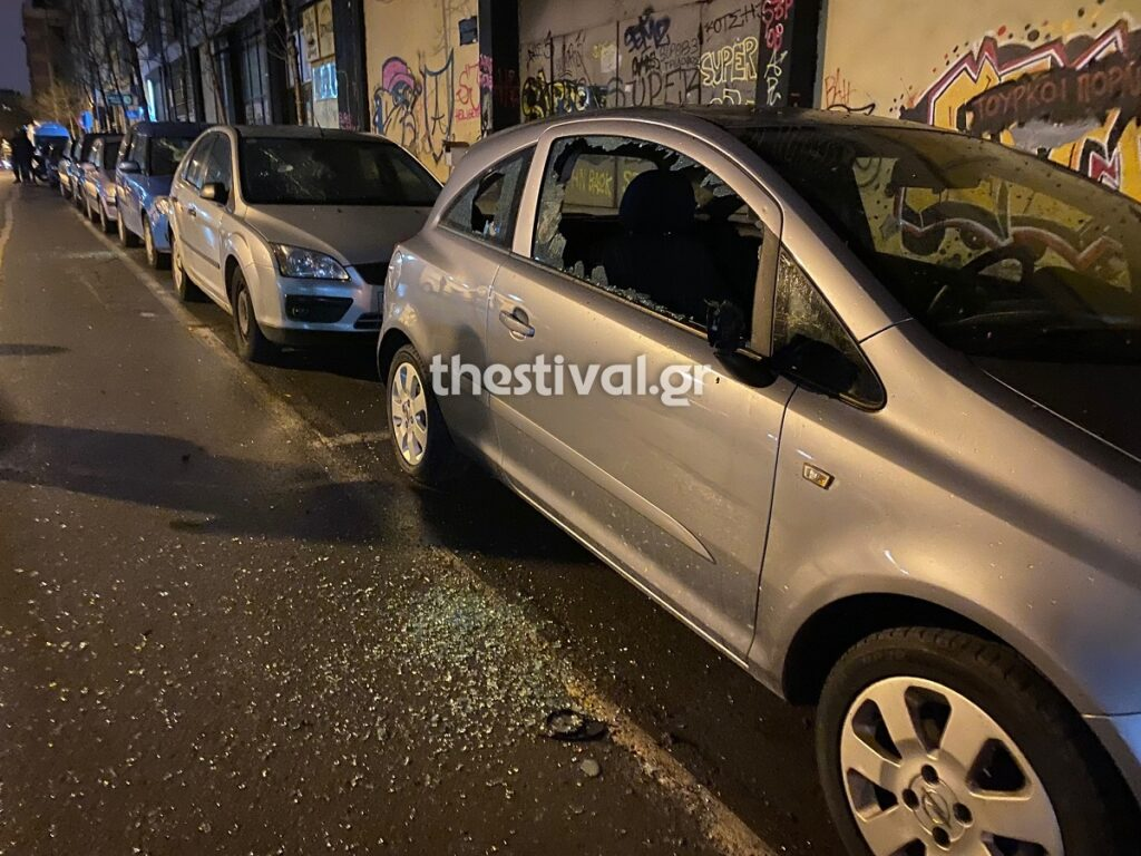Θεσσαλονίκη: Άγριο ξύλο και τραυματίες σε σοβαρό επεισόδιο μεταξύ οπαδών (pics, video)
