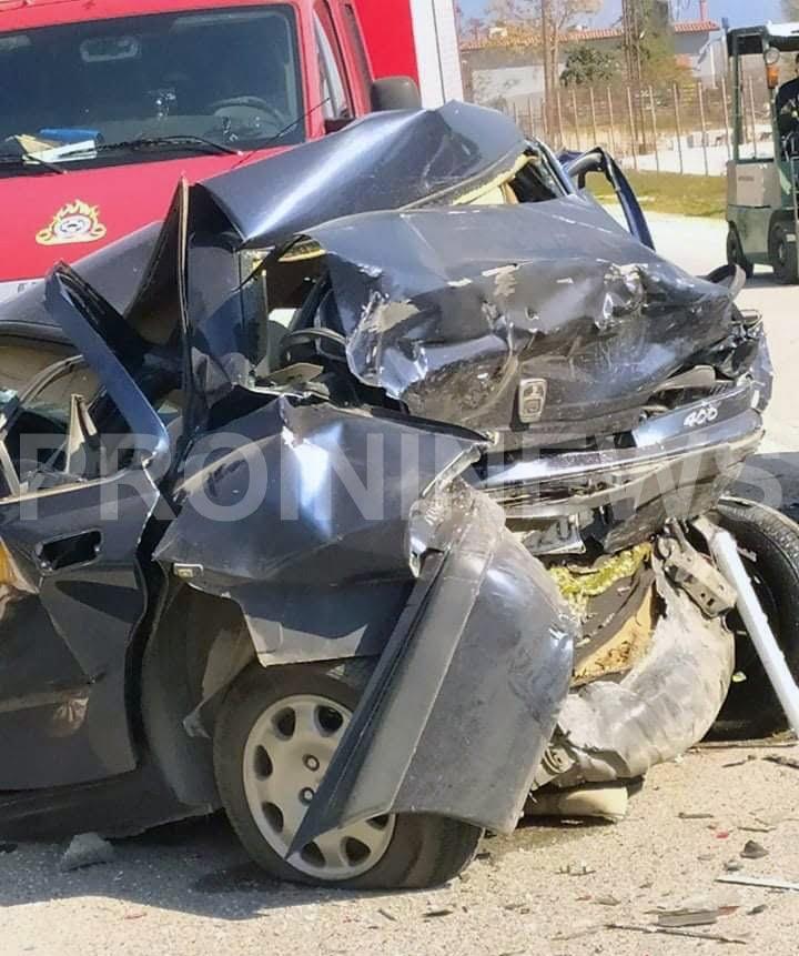 Ένας νεκρός και τέσσερις τραυματίες σε τροχαίο δυστύχημα στην Καβάλα[photos]