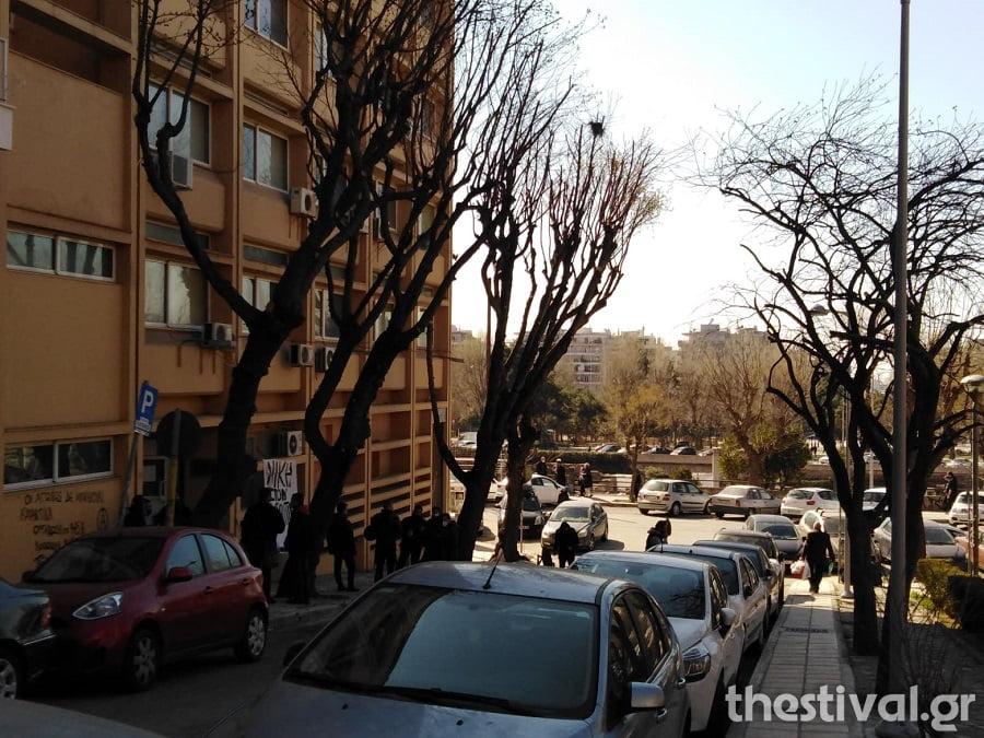 Υπό κατάληψη το Εργατικό Κέντρο Θεσσαλονίκης για τον Δ. Κουφοντίνα, φωτογραφία-1