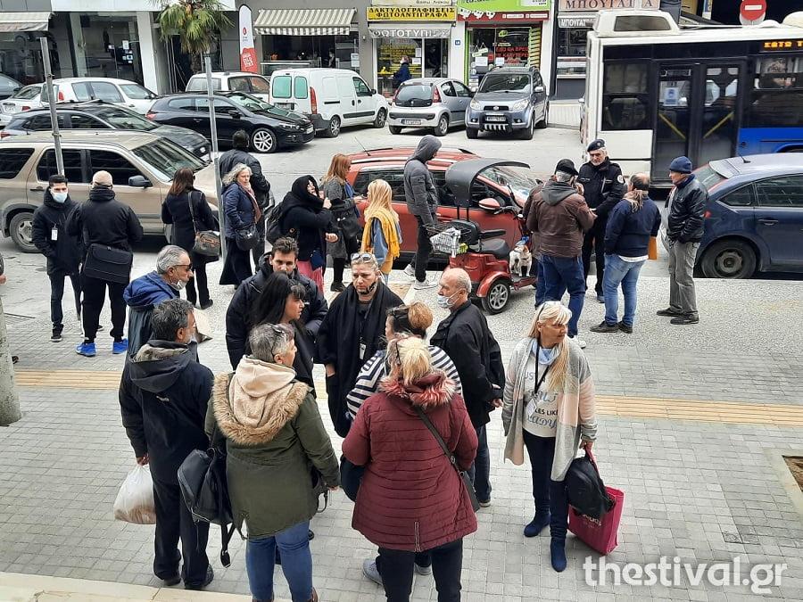 Θεσσαλονίκη: Στον εισαγγελέα η μητέρα μαθητή που αρνήθηκε το self test (video), φωτογραφία-1