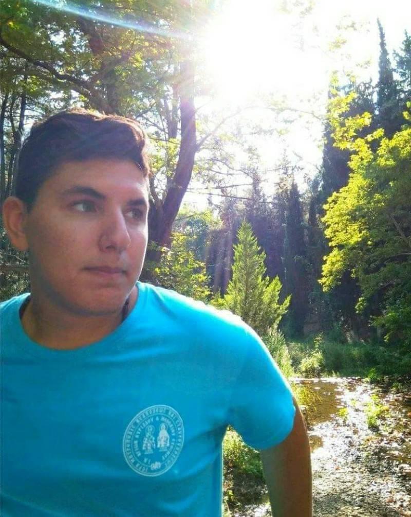 Ασύλληπτη Τραγωδία: Νεκρός ο Γιαννάκης που τραυματίστηκε σε τροχαίο με το ποδήλατό του[photo]