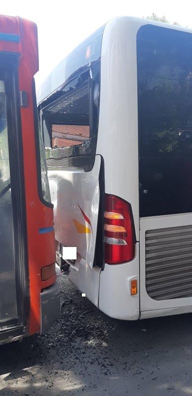 Δύο λεωφορεία του ΟΑΣΘ συγκρούστηκαν μεταξύ τους – Τραυματίστηκε μία γυναίκα (φωτο)